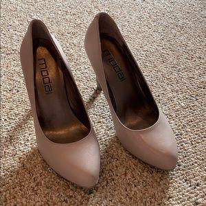 Beige Heels Size 61/2 M
